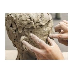 Sculpture argile : matériaux et outils